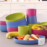 Ajaa borden, kommen en bekers van bioplastic in drie kleuren te koop bij GreenPicnic
