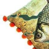 Imbarro vissenkussen met oranje pompons Greenpicnic