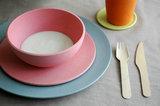 Bamboe serviesgoed Zuperzozial in roze en blauw