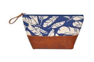 Fairtrade pouch Blue Feather. Blauw linnen tasje met rits