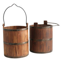 Wooden water bucket with iron - ruwe houten water emmer