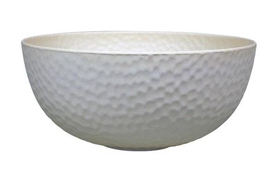 Zuperzozial large hammered bowl in wit