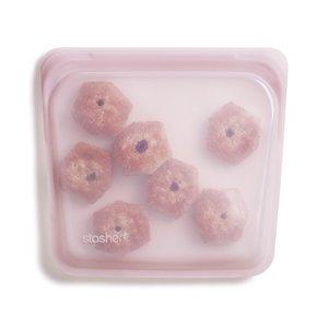 Siliconen bewaarzakje Stasher bag Rose Quarts met koekjes